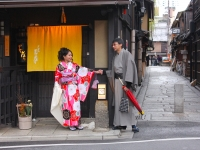 rose-sampaga-benedict-b-sauri-in-gion-kyoto-dec-6-2014-micah-gampel-photography_9469