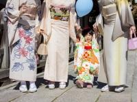 sandy-airi-fumiko-vicki-kazuyo-nishimura-family-753-october-24-2014-kyoto-micah-gampel_8834b