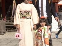 sandy-airi-gen-en-nishimura-family-753-october-24-2014-kyoto-micah-gampel_8581b